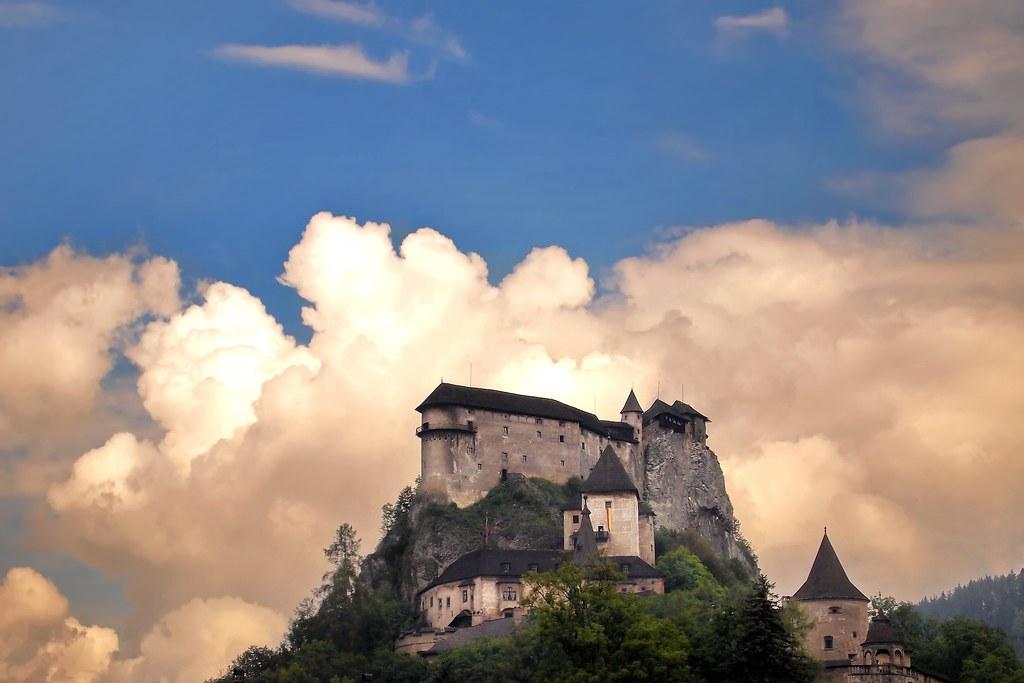 Oravský hrad, Orava Castle