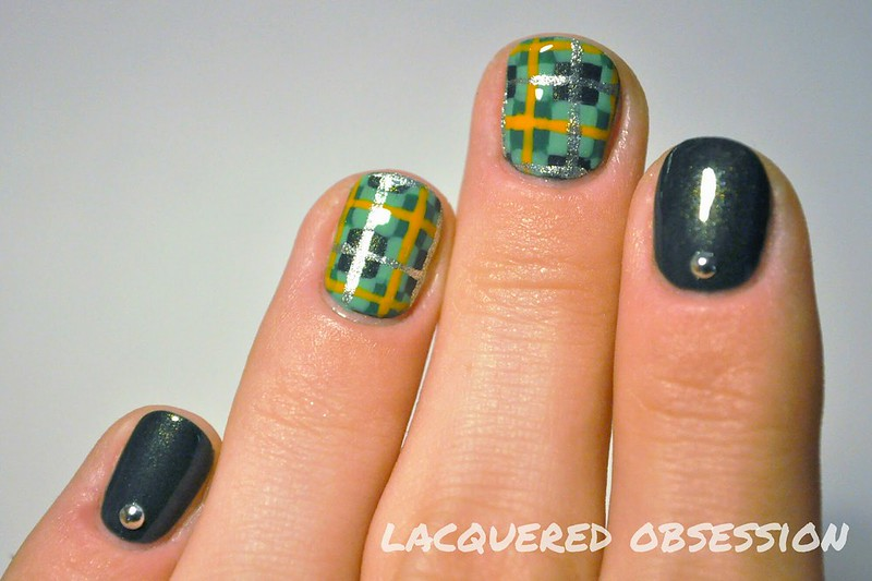 Catrice Squeeze Me swatch + tartan nail art