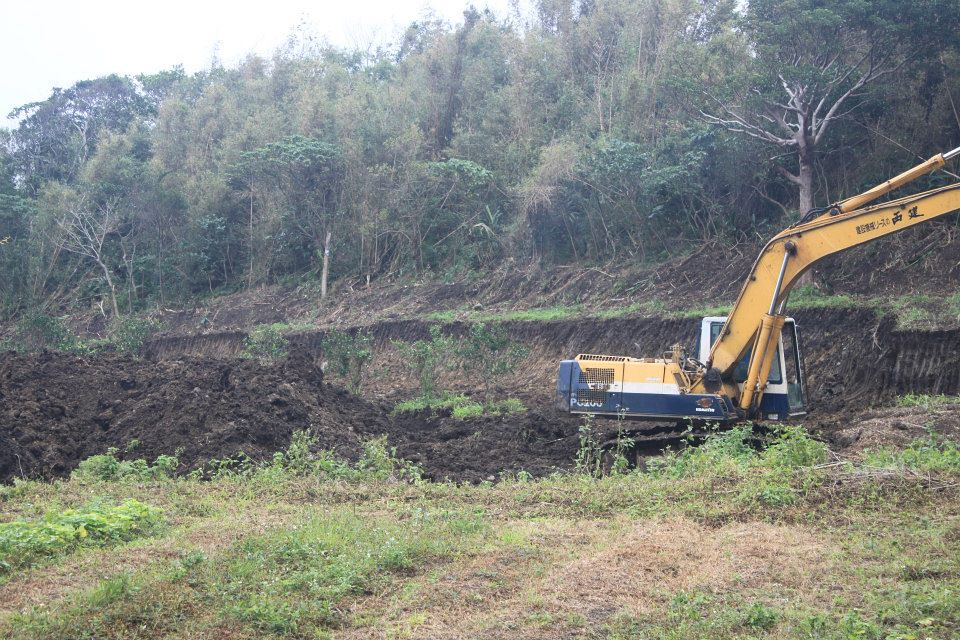2014/12 開挖的面積及深度都很大