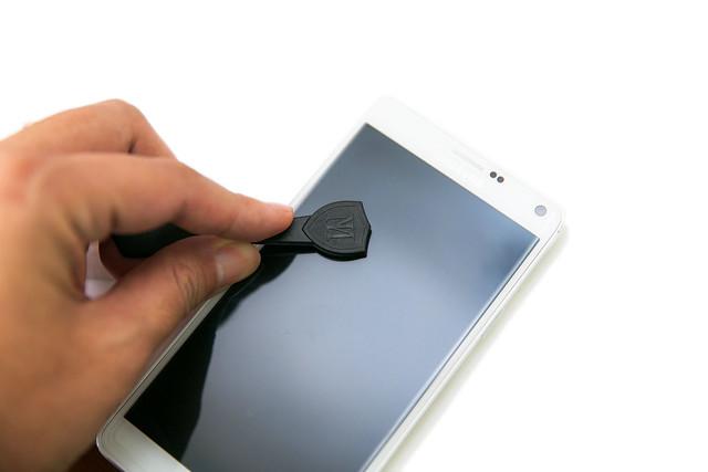 怕手機螢幕刮傷還是摔破?試試看艾奇侖奈米鋼化玻璃螢幕保護貼 @3C 達人廖阿輝