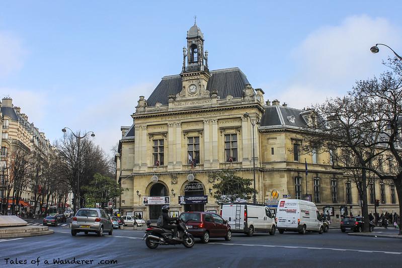 PARIS - Place Gambetta / Mairie du 20e arrondissement de Paris