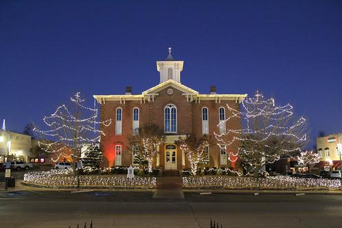 christmasdecorations arkansas pocahontas oldrandolphcountycourthouse