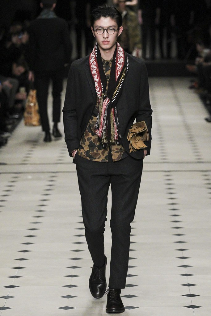 FW15 London Burberry Prorsum016_Jin Dachuan(VOGUE)