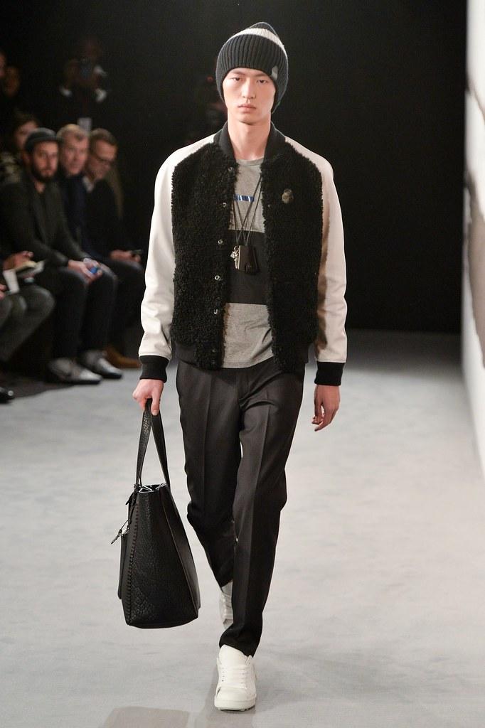 FW15 London Coach008_Jin Dachuan(fashionising.com)