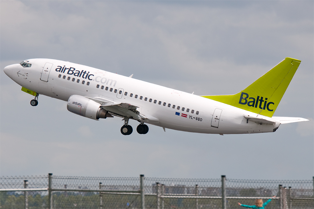 YL-BBD - B735 - Air Baltic
