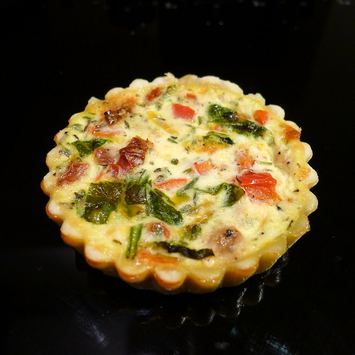 Mini quiche with Greek-style vegetables
