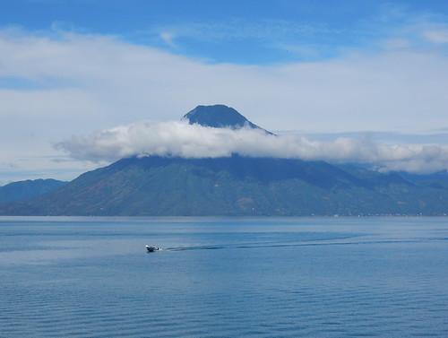 Guatemala - Lago de Atitlan - San Pedro vulkaan