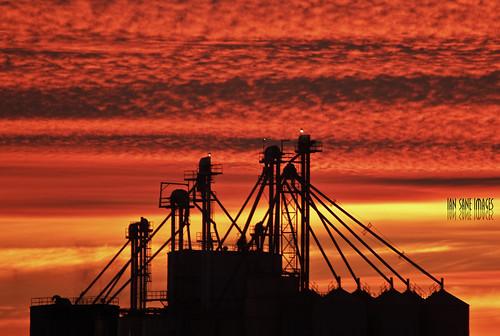 camera sunset sky orange oregon canon lens ian eos evening is elevator grain images an donald 7d usm sane elevating ef100400mm f4556l