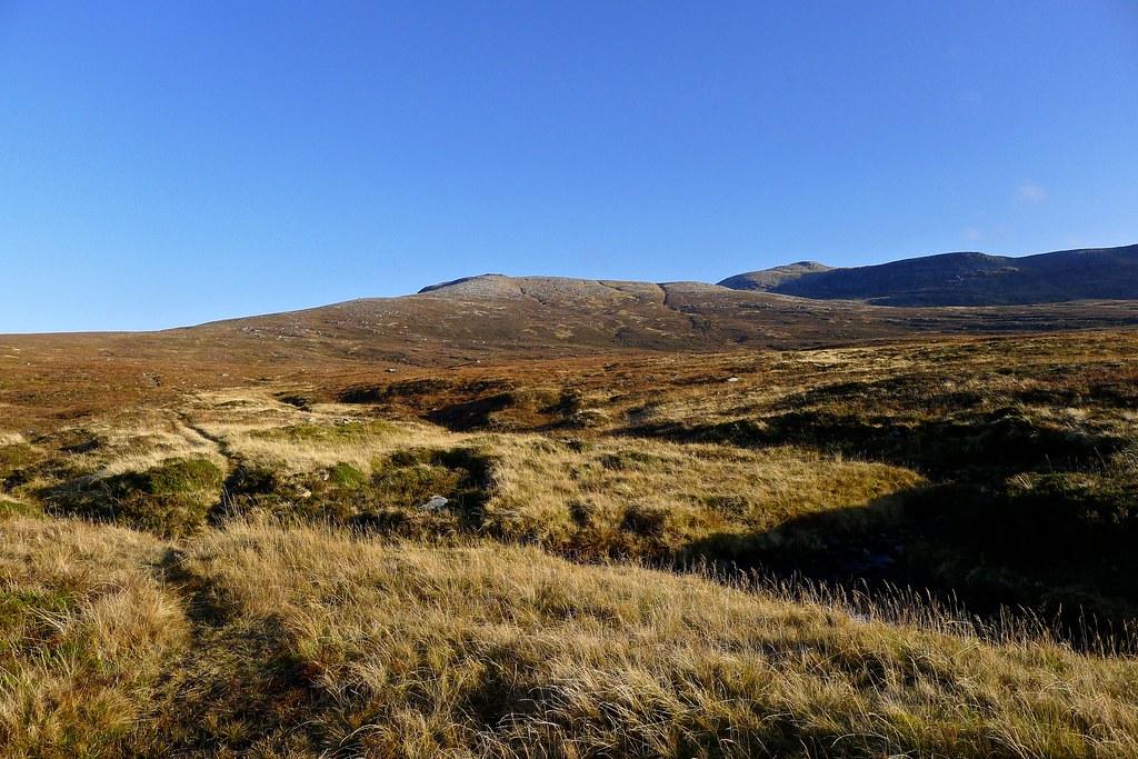 View back to Eididh nan Clach Geala