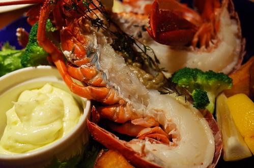 vapeur spiny lobster オマール海老の まるごと一尾で豪華ヴァプール