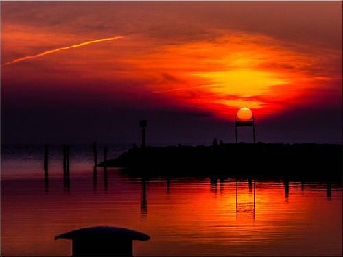 sunset red sky rot water wasser sonnenuntergang himmel balticsea timmendorf ostsee spiegelung abendrot abendlicht ostseeinsel hafentimmendorf