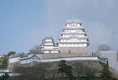 Himeji Castle refurbished & Cats: Jan. 2015 / Leica M7 & Zeiss Ikon ZM