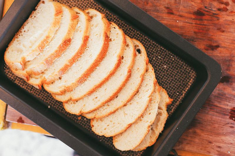 Torrada com Aspargos, Bacon e Ovo Poché