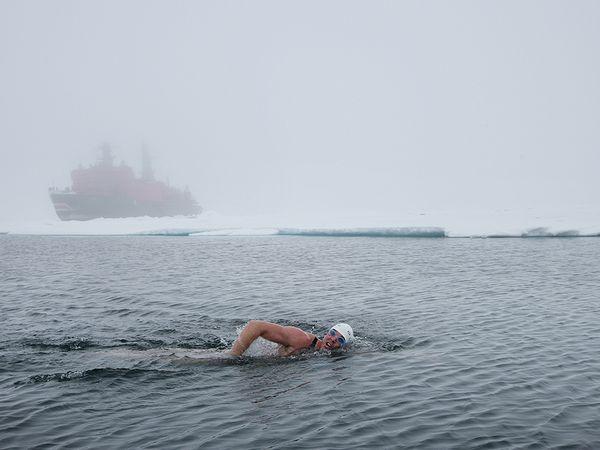 Ο  Lewis Pugh στον Βόρειο Πόλο ... | Photo (c) Kelvin Trautman