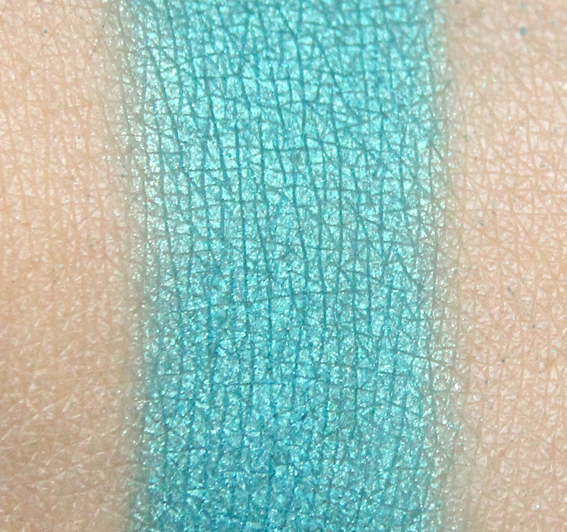Claudia caribbean sea eyeshadow single swatch