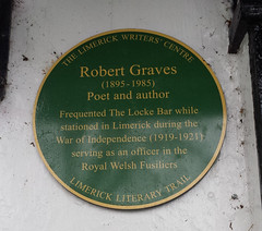 Photo of Robert Graves green plaque