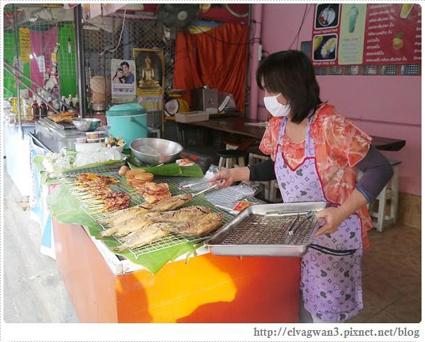 泰國-泰北-清邁-Somphet Market-Tip's Best Fresh Fruit Smoothie-市場-果汁攤-酸奶水果沙拉-燕麥水果優格沙拉-香蕉Ore0-泰式奶茶-早餐-11-673-1