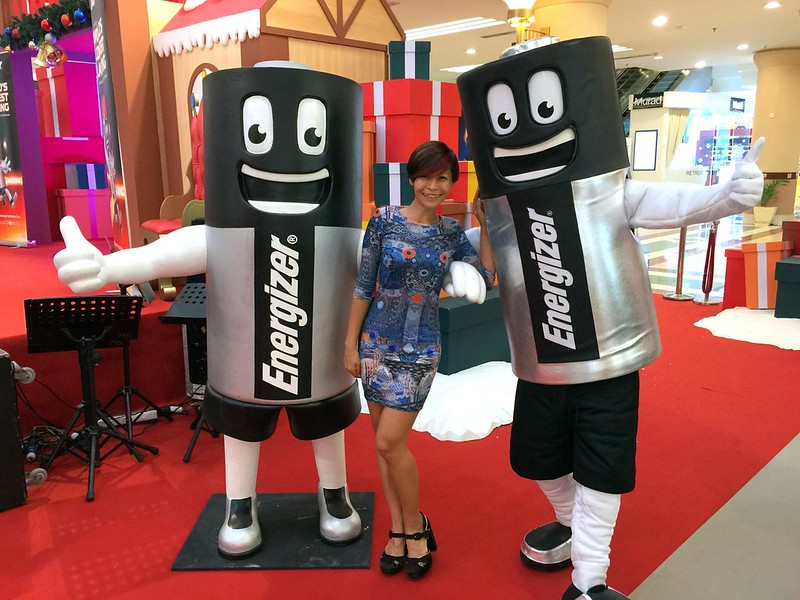 rebecca saw - energizer - hamleys - powerofgiving - positiveenergy