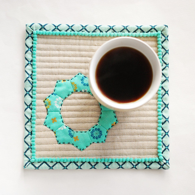 Winter Wreath Mug Rug
