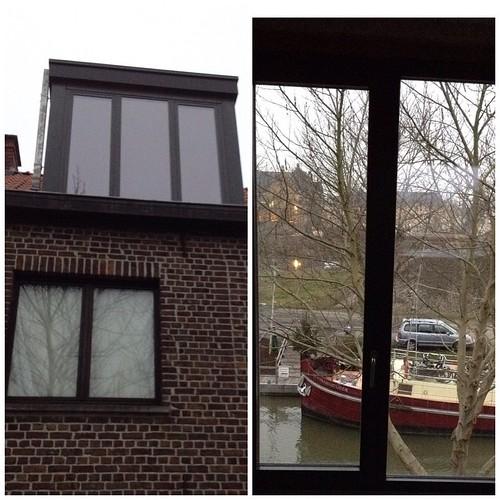 Hoera! Geen dunne plank meer maar een echte raam.