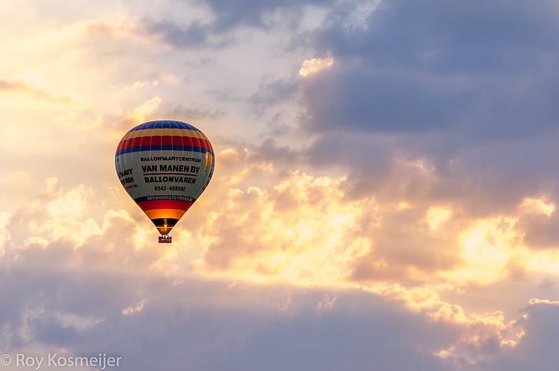Sunset_Veluwe_Hot-air-balloon