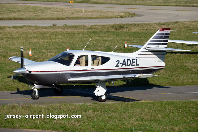 2-ADEL Rockwell Commander 114B