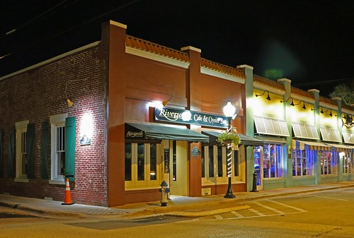 night restaurant downtown florida stuart