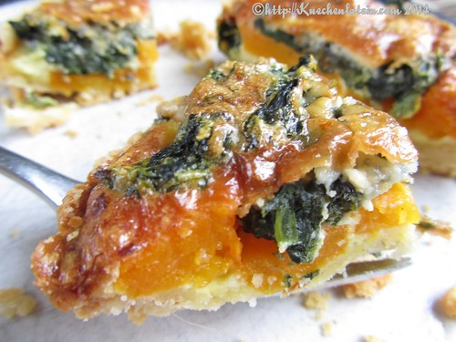 ©Pumpkin tarts with spinach and Gorgonzola (2)