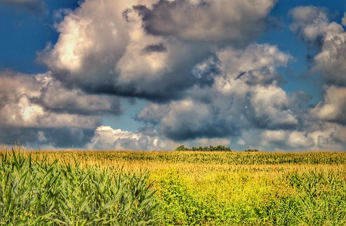 2011 canon eos dslr 500d t1i app rebel iphoneedit snapseed hdr handyphoto sky geotagged geotag facebook lynchburg landscape august summer jamiesmed ohio midwest photography clouds highlandcounty