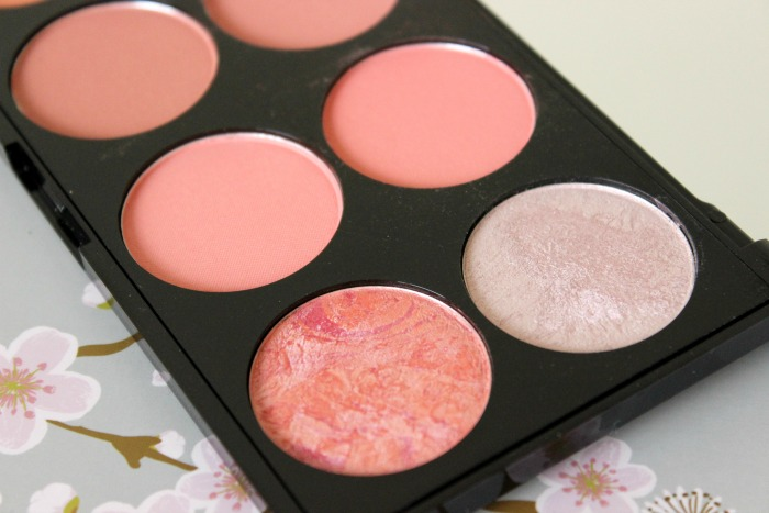 Makeup Revolution Blush Palette  Hot Spice