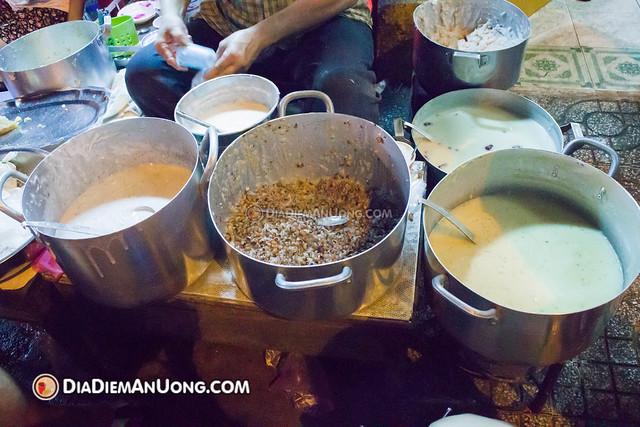 15678908330 a72ab3bda9 z - Chè vỉa hè Võ Văn Tần - Không dành cho thực khách chuộng hình thức