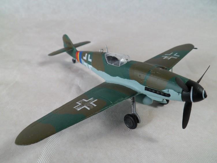 Messerschmitt Bf109 G-10 [Revell 1/72] 15738695308_2f82491fa4_b