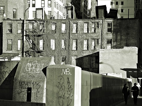 monochrome cityscape manhattan masonry westside boardedupwindows 9avenue changingnewyork sjnnyny coolpixp7700compact
