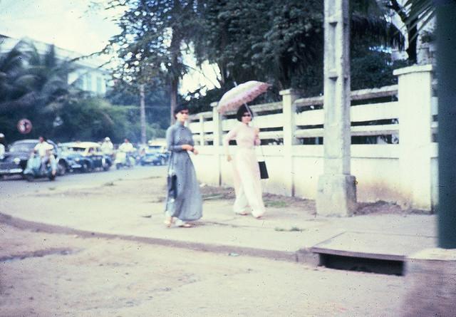 SAIGON 1965-66 - Ngã tư Công Lý-Yên Đổ. Photo by Dale Ellingson