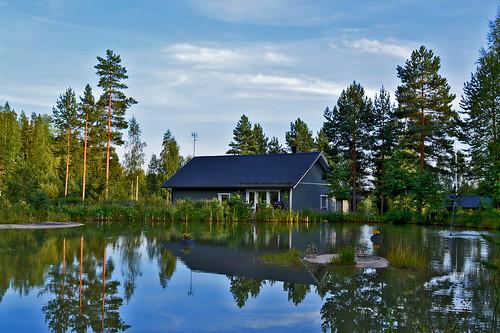 trees summer sky lake beach pine reflections suomi finland landscape nikon cottage calm views talo scape maisema mökki waterscape ranta pilvet järvi nikond3200 rakennus heijastus puut taivas tyyni d3200 järvimaisema