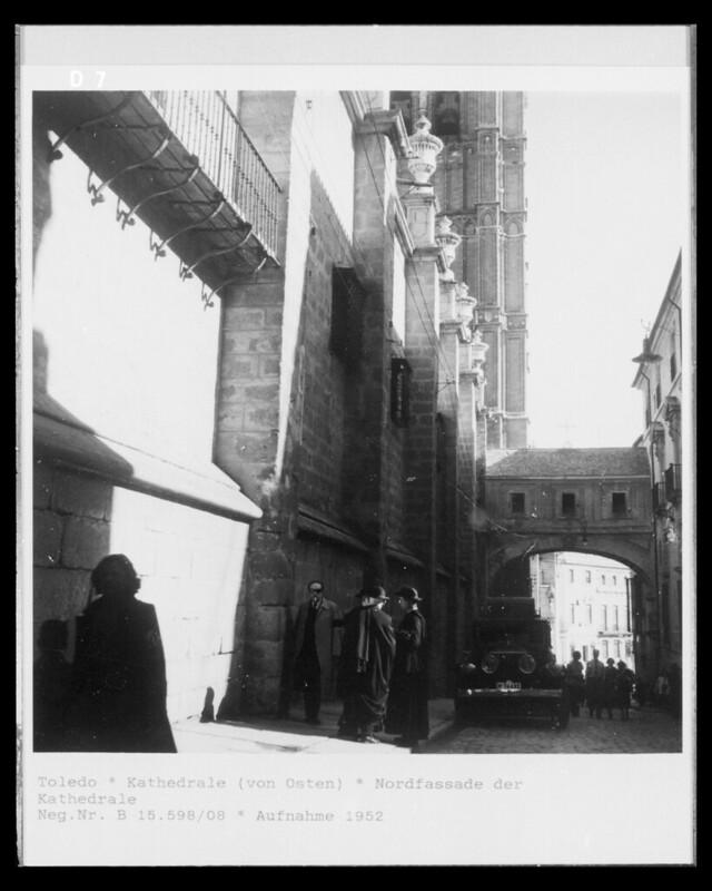 Arco de Palacio en 1952. Fotografía de Erika Groth-Schmachtenberger