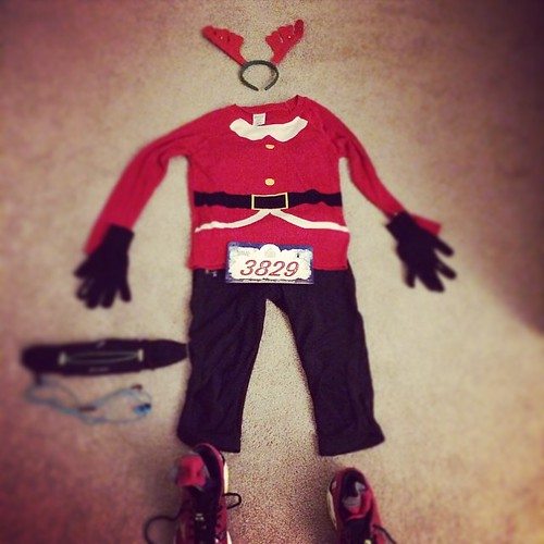 Flat Jess is all ready for the Ugly Sweater 5K tomorrow. How great is that Santa sweater? #fitfluential #runchat #runnerds