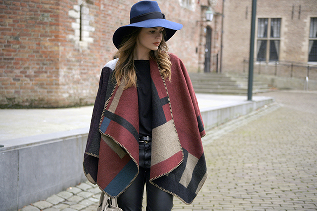 choies-burberry-cape