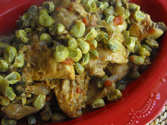 Caril de frango com favas