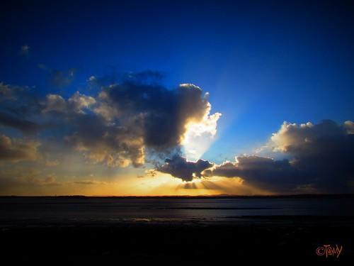 sunset sea sky cloud sun clouds liverpool dramatic merseyside silverlining rivermersey
