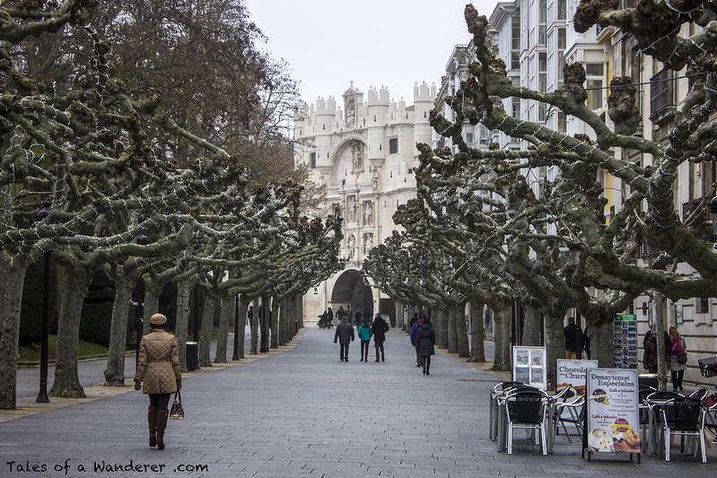 BURGOS - Paseo del Espolón / Arco de Santa María