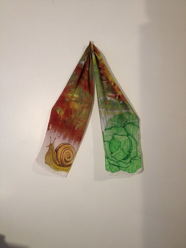 Snail and cabbage scarf