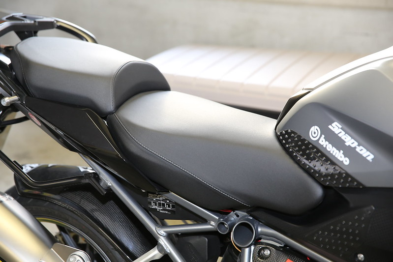 BMW R1200RS Seat Impression
