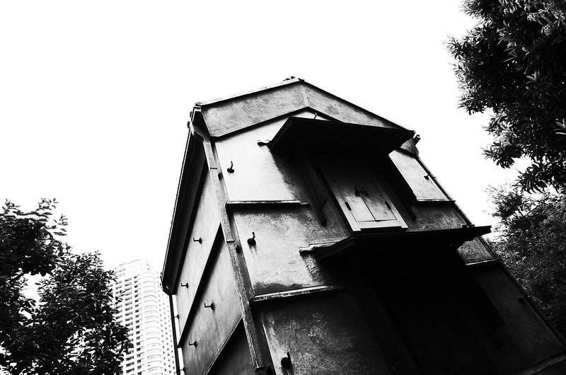 旧江戸川乱歩邸土蔵(幻影城)ハイコントラスト白黒