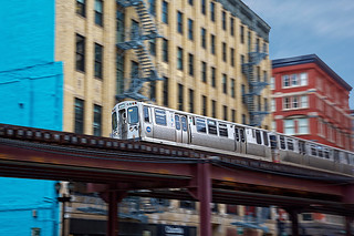 """Chicago's """"L"""" in Motion"""