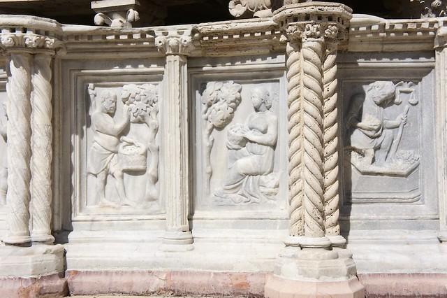 fontana-maggiore-detail-perugia-italy-cr-brian-dore