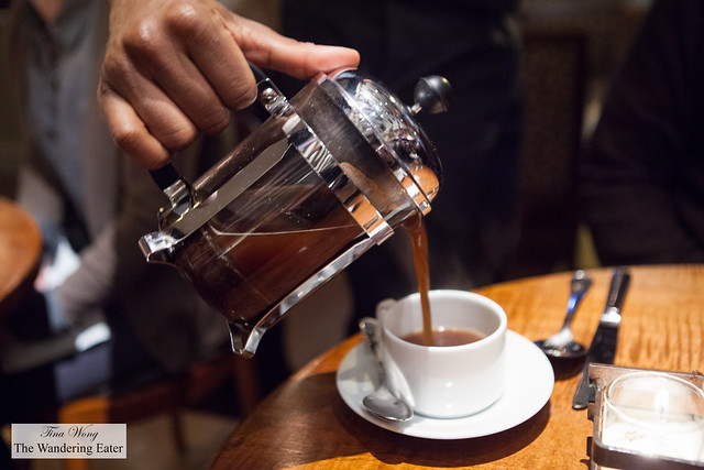 Pouring our La Pena Miel, Nicaragua French Press