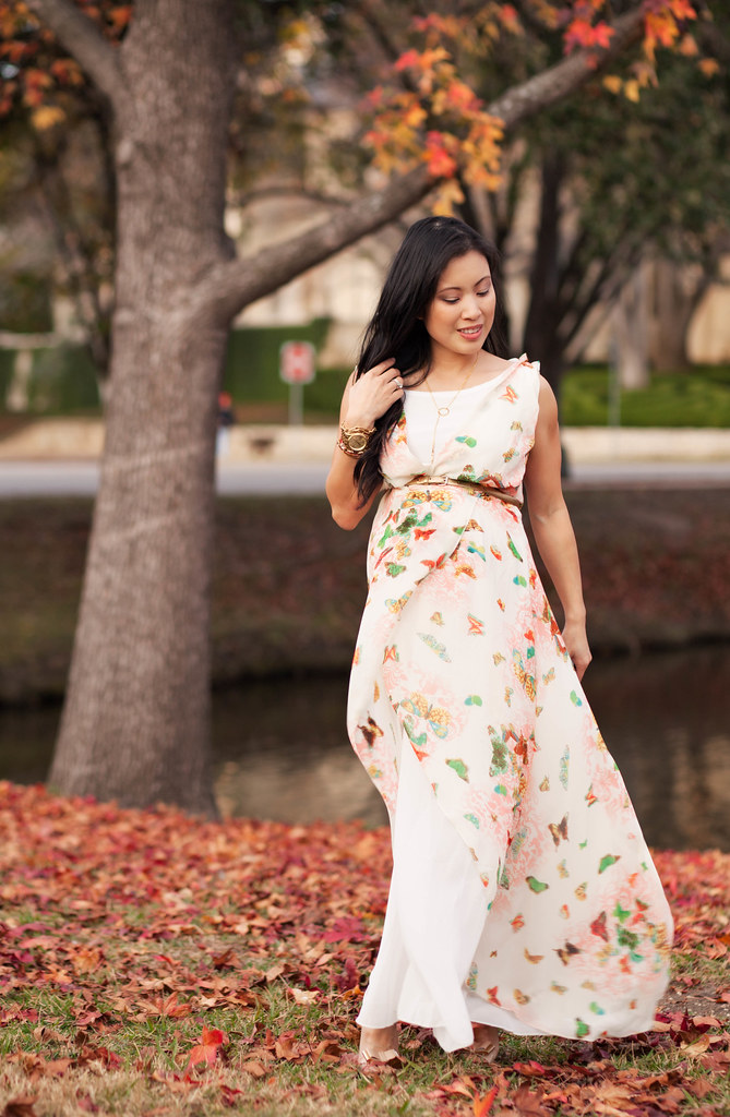cute & little blog   petite fashion maternity pregnant   butterfly maxi dress outfit