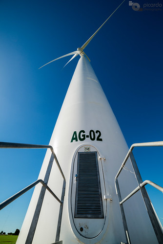 travel parque ecology windmill uruguay wind farm perspective wideangle viento molino viajes colonia perspectiva spaceship windfarm molinos granja granangular ecologia eolic parqueeolico eolico energyefficient naveespacial tarariras juanlacaze granjademolinos