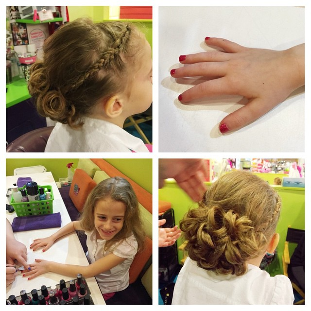 Big day today!! Autumn's getting dolled up to be a flower girl!! 👸👍💅👰